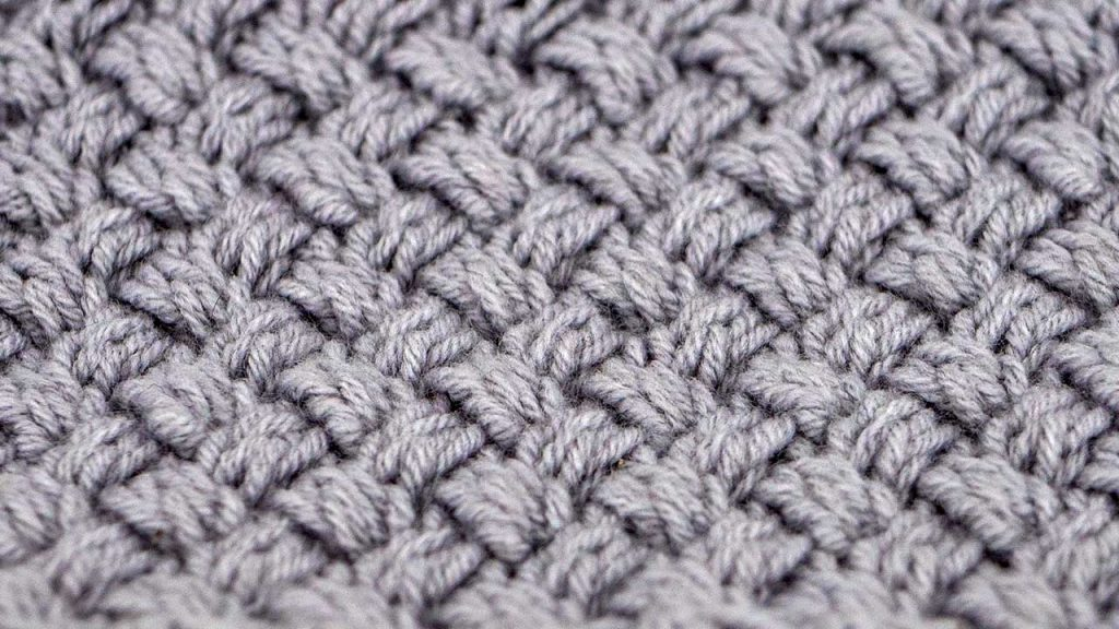 Close Up of Woven Cable Knitting Stitch Pattern