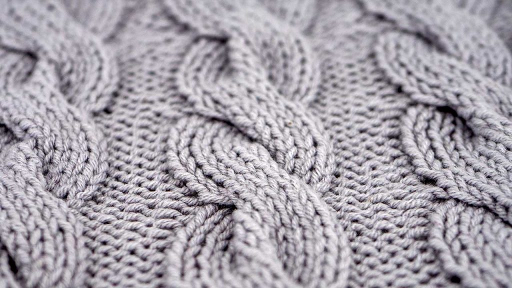 Detail of the Chunky Cable Stitch Knitting Pattern